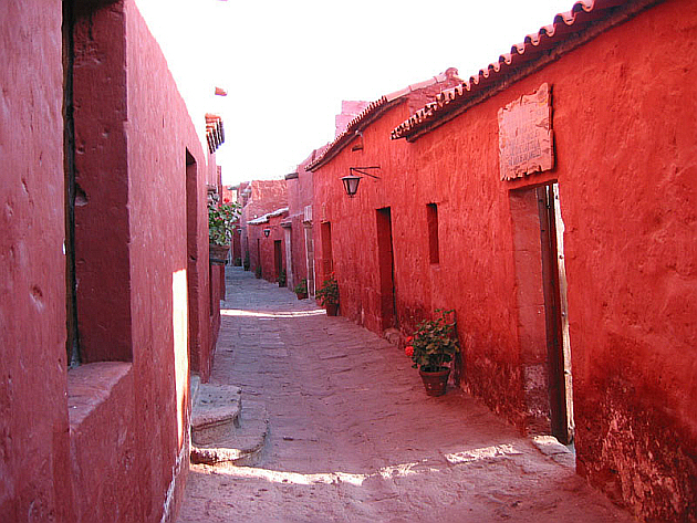 "A ""Red Street"" in Arequipa"